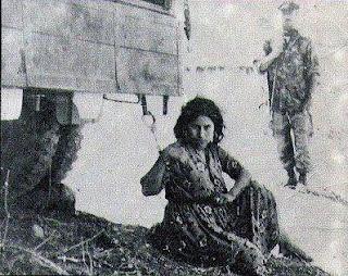 شاهد ماذا كاتت تفعل المرأة الجزائرية عند محاولة اغتصابها من المستعمر الفرنسي !!!