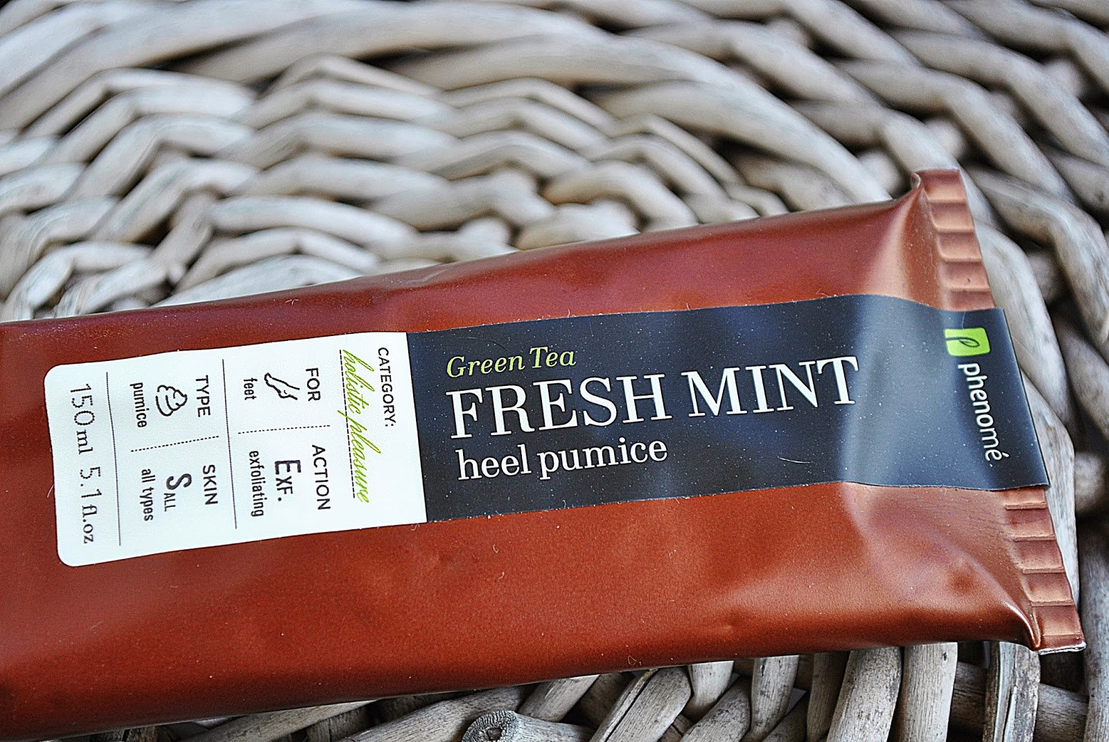 Phenome - Fresh_mint_heel_pumice