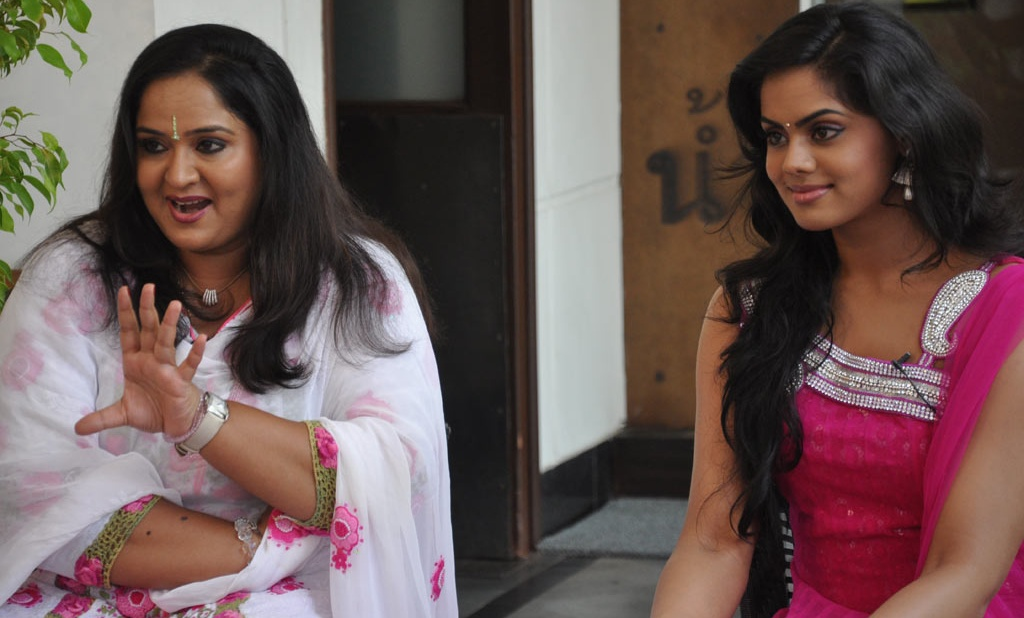 Actress Radha Family http://actressactor.in/karthika-radha-family-photos/.html