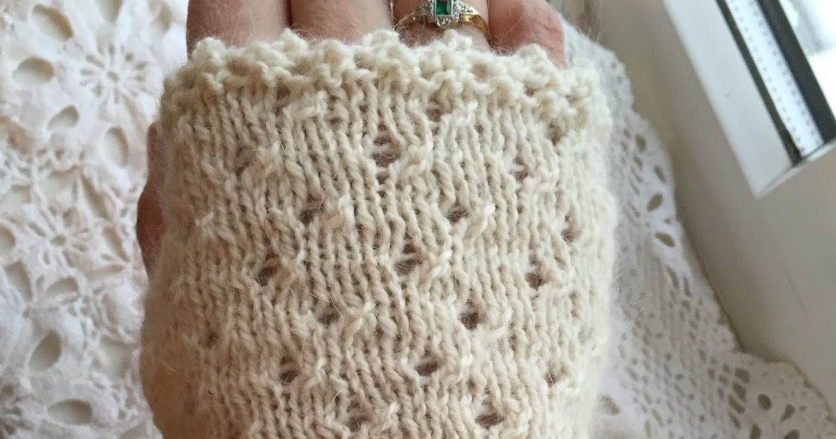 Knitting Terms Kfb : Kandipandi the hand of friendship fingerless mittens