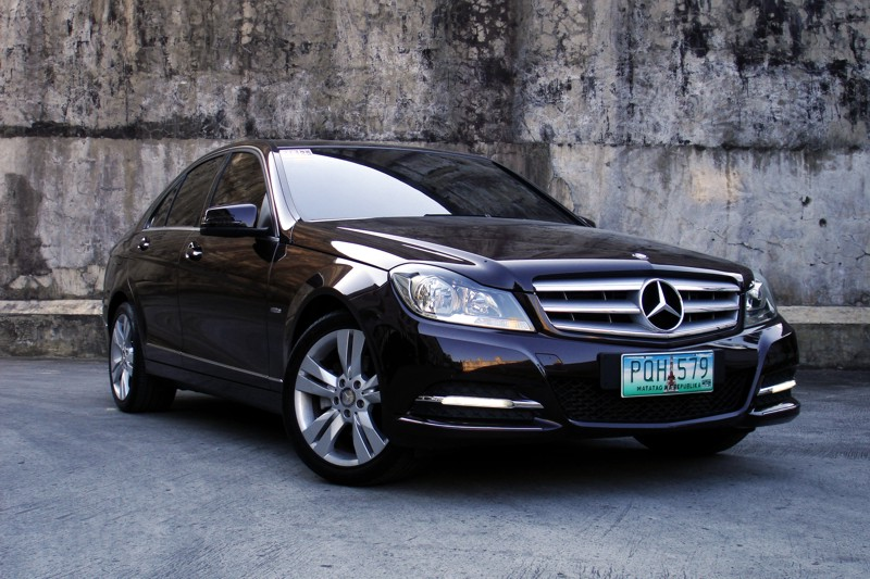 review 2012 mercedes benz c 200 cgi blueefficiency. Black Bedroom Furniture Sets. Home Design Ideas