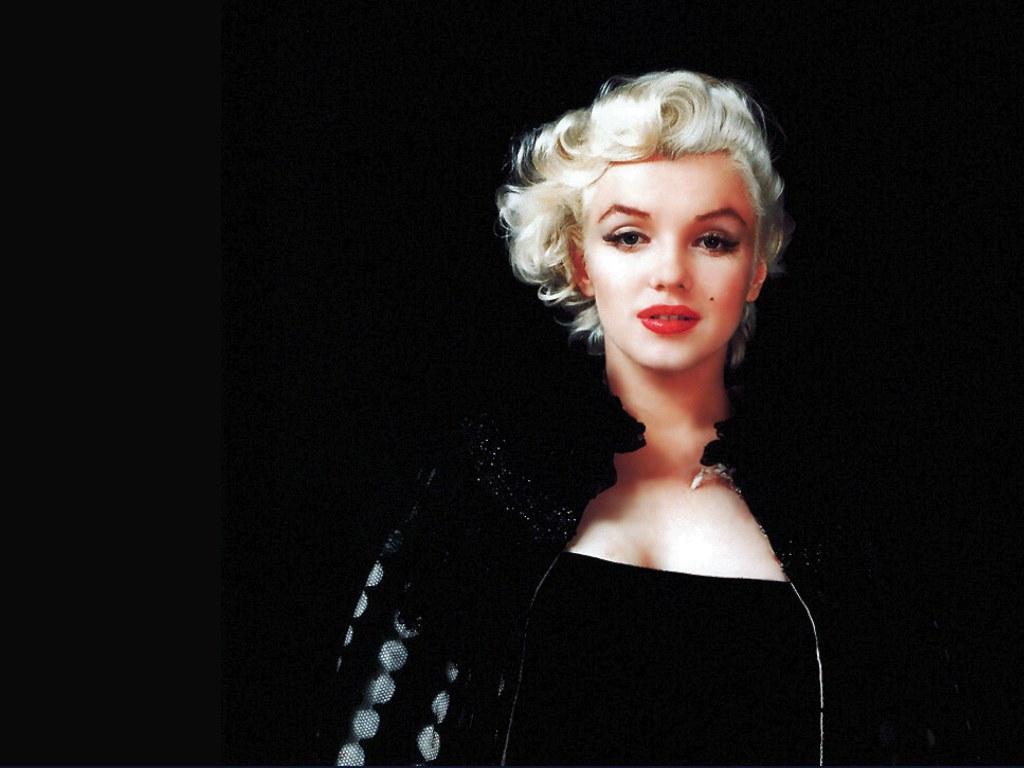 http://3.bp.blogspot.com/-vJMw-OJEpWU/TduJJ_SqKFI/AAAAAAAAAo8/OglrjAz8AZ8/s1600/Marilyn-Monroe-01--wall.jpg