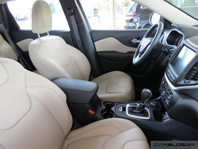 Jeep Cherokee 2015 Limited - interior bege