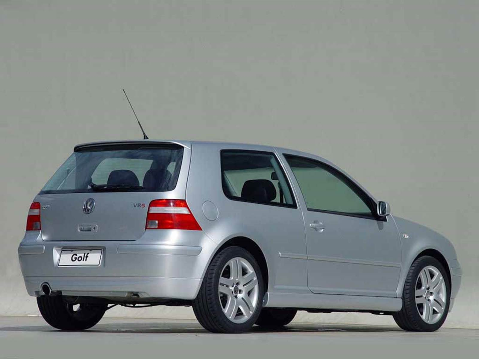 volkswagen golf gti vr6 2003 fotos desempenho e consumo car blog br. Black Bedroom Furniture Sets. Home Design Ideas