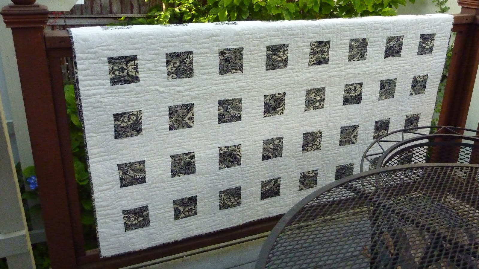 Busy Bee No. 16: A Modern Quilt in Black and White : modern style quilts - Adamdwight.com