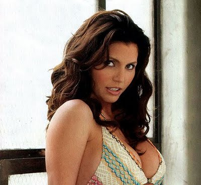Charisma carpenter cleavage apologise