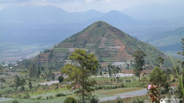 Piramida Sadahurip