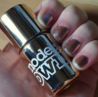 Models Own chrome rose nail varnish