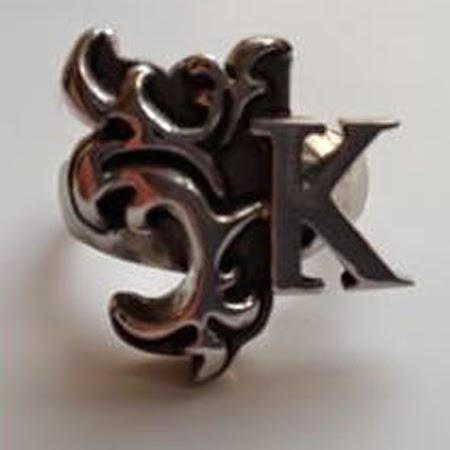 anillo en oro como muestra de plata