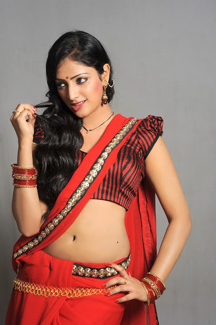 Hot Actress haripriya Navel Expose Images