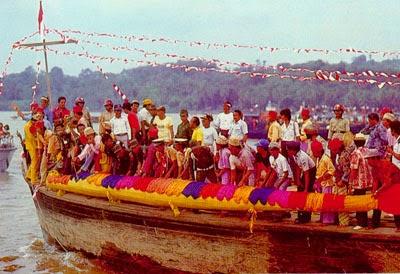 Budaya Erau yang dilaksanakan di Tenggarong, Kalimantan Timur