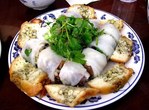 Bánh ướt thịt nướng