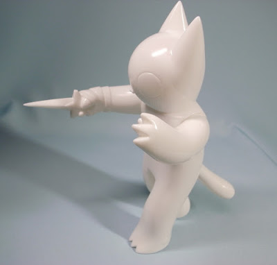 First Look: Cat with Dagger Vinyl Test Pull by Deth P. Sun x FOE Gallery