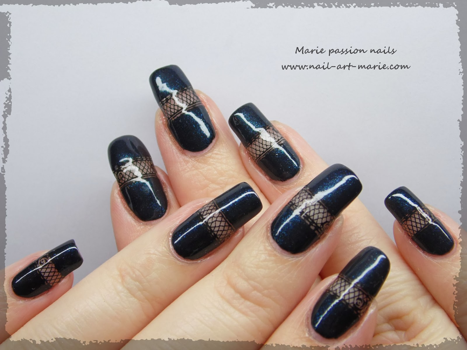 Nail art bande de résille3