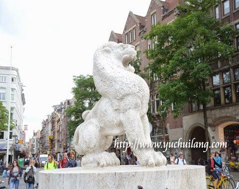Patung Singa Belanda