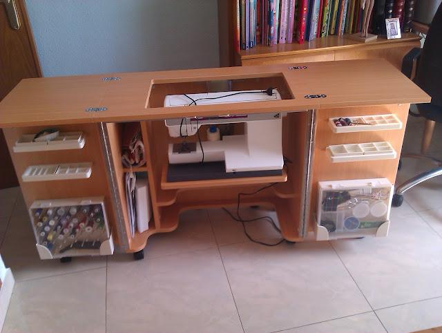 El costurero de teresa mueble para la m quina de coser for Mueble costurero