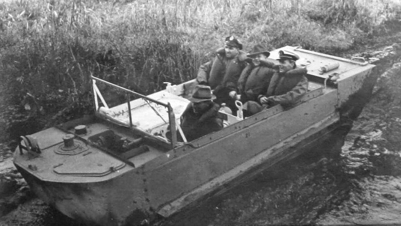 some weasel pics m29c prototype amphibious under test