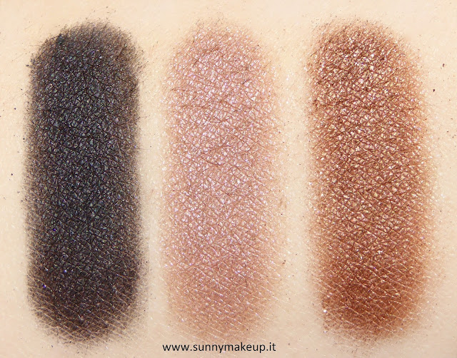 Swatch Make Up For Ever - Palette Artist Nude. Palette di ombretti Artist Shadow. Da sinistra verso destra: S - 102, I - 544, D - 652.