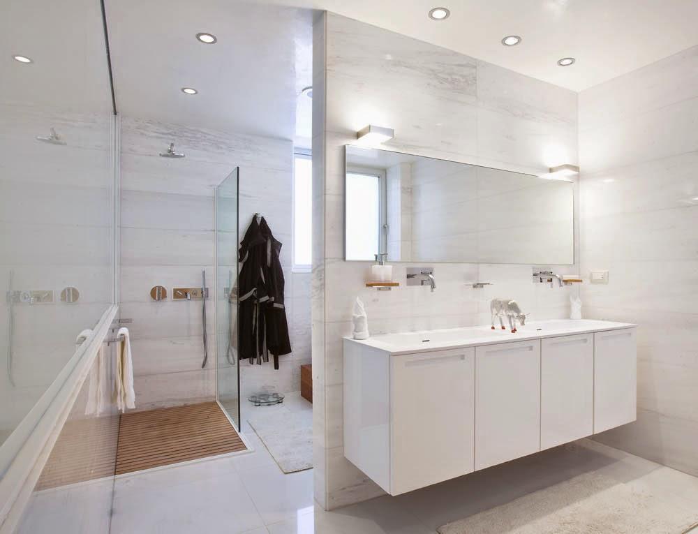Beautiful White Bathrooms