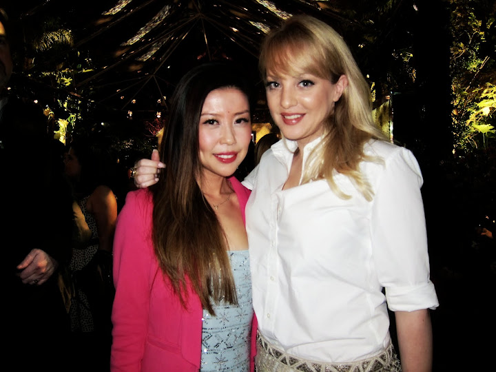 I heart Wendi Mclendon-Covey! She was my favorite character from Bridesmaids ...