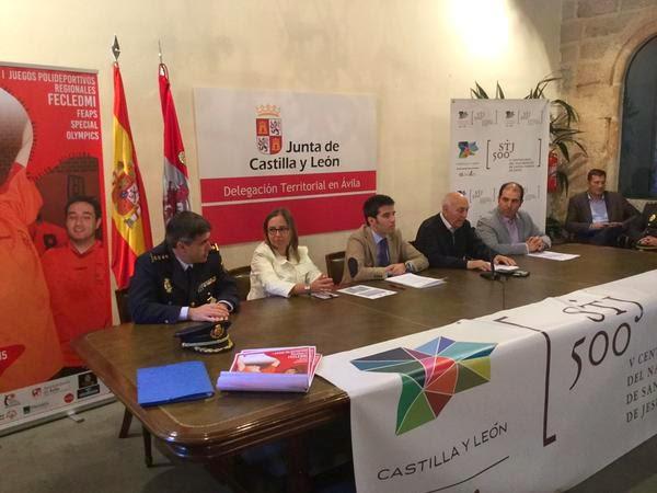 Podio del relevo 4x50 en el IV Open de Castilla y León de Natación Adaptada./ IÑAKI SOLA