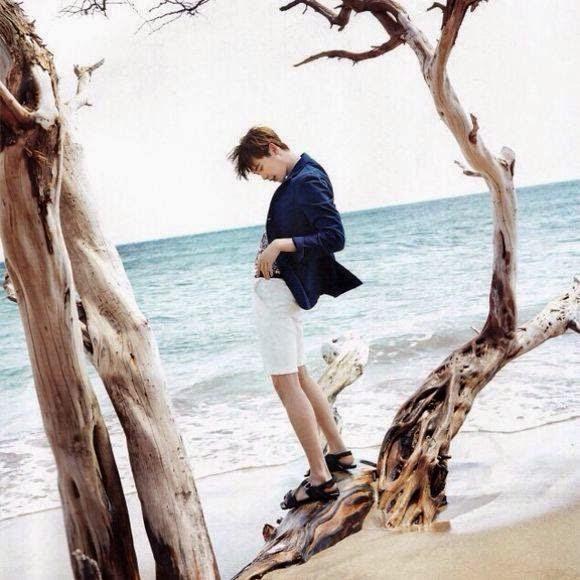 lee jong suk is a good looking beachboy daily k pop news