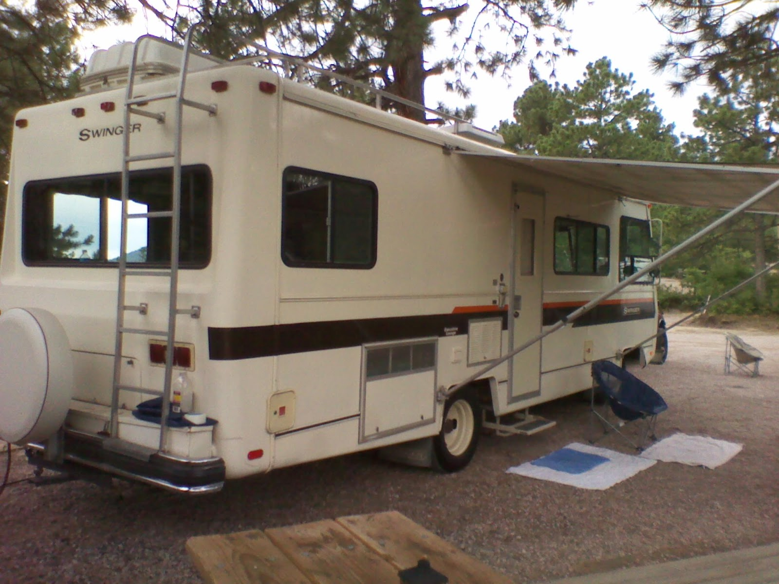 My Vintage 1978 Georgie Boy Swinger Executive Lounge Motorhome Duo Therm Thermostat Wiring Diagram 1979 Nu Wa Note Shine On Coach And As Of Yet We Have Still Not Waxed It Rug Outside Door Shoes Are Never Ever Permitted Within The