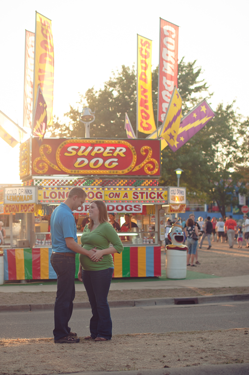 Maternity photo taken at the Minnesota State Fair in St. Paul near Minneapolis by High Heel Photography