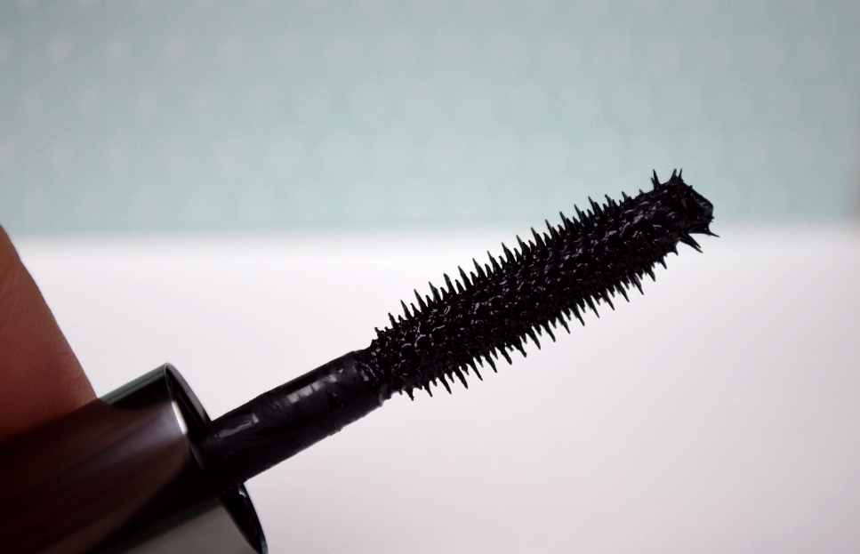 Benefit They're Real Mascara Review Brush