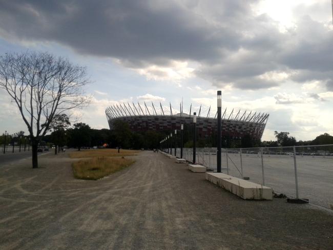 Stadion Narodowy widziany od Alei Zielenieckiej - fot. Tomasz Janus / sportnaukowo.pl