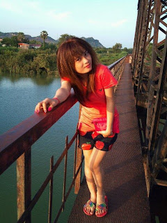 Momo Kokok annoying facebook girl