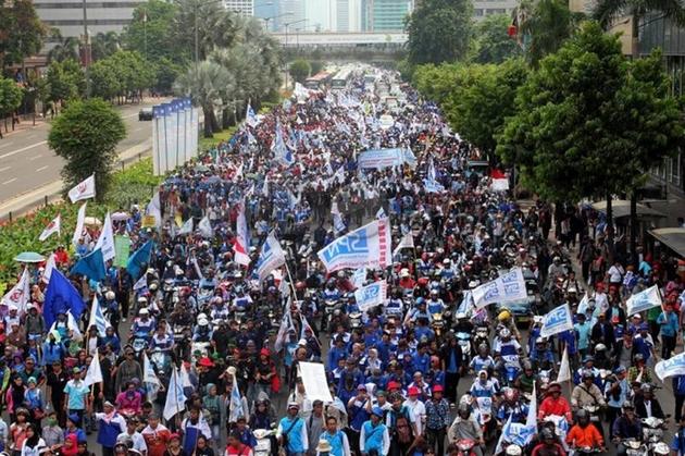 Buruh Kepung Jakarta