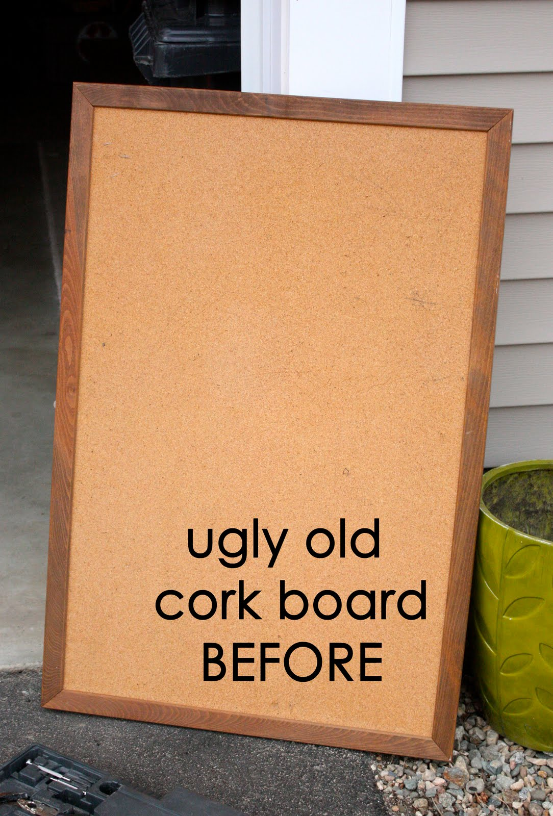 zaaberry new life for an old cork board. Black Bedroom Furniture Sets. Home Design Ideas