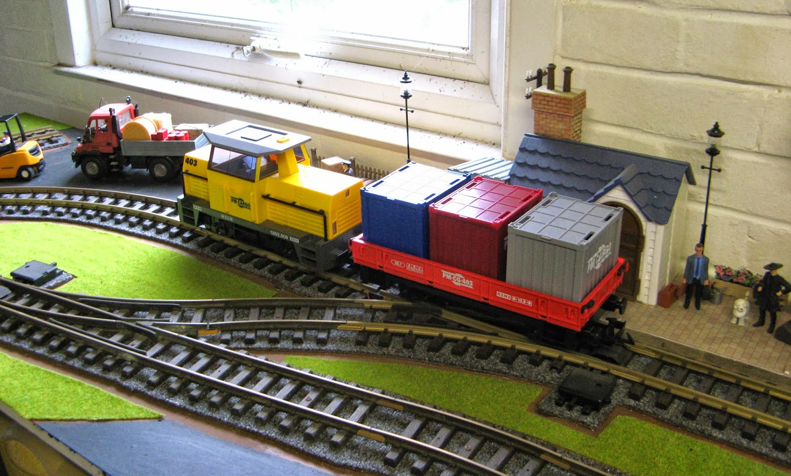 Canford valley railway playmobil rc train on the layout - Train playmobil ...