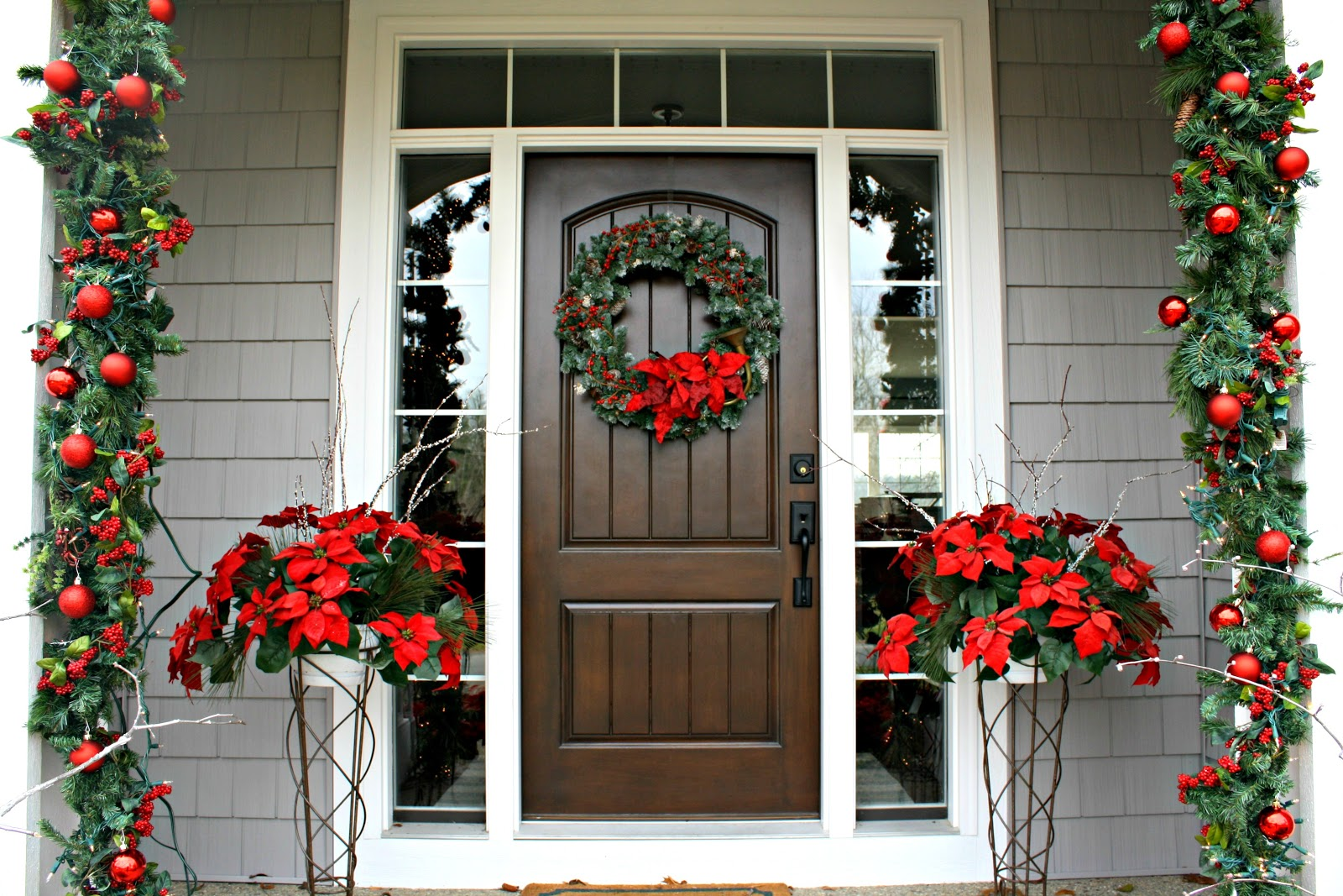 holiday home tour - Christmas Column Decorations