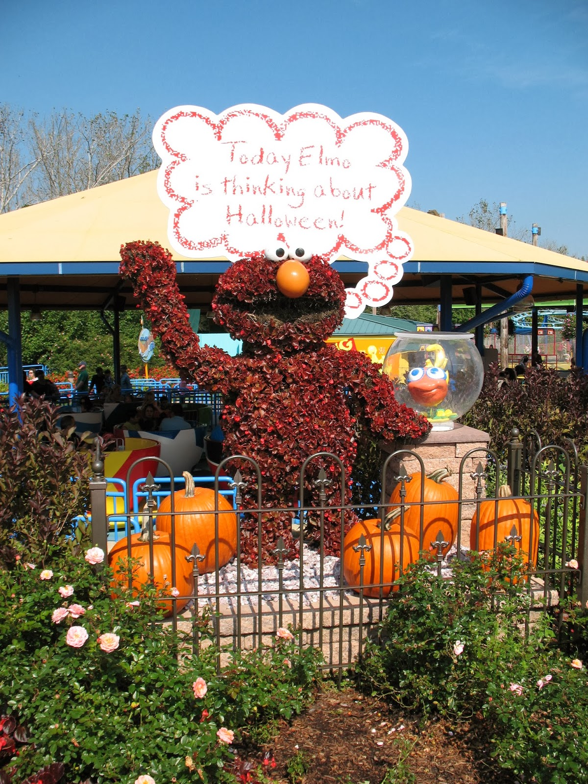 cute seasonal decor at sesame place - Sesame Place Halloween