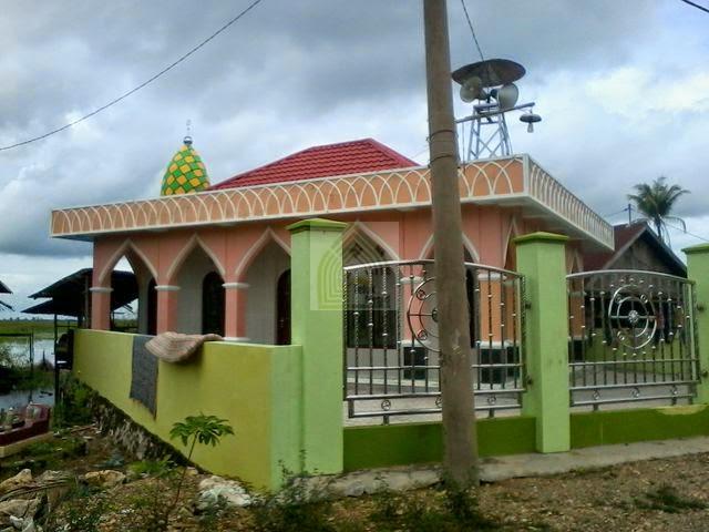 Langgar Al Misbah di desa Balimau