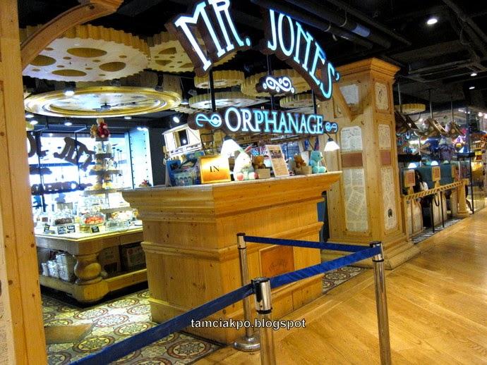 Mr Jones' Orphanage Cafe in Siam Bangkok