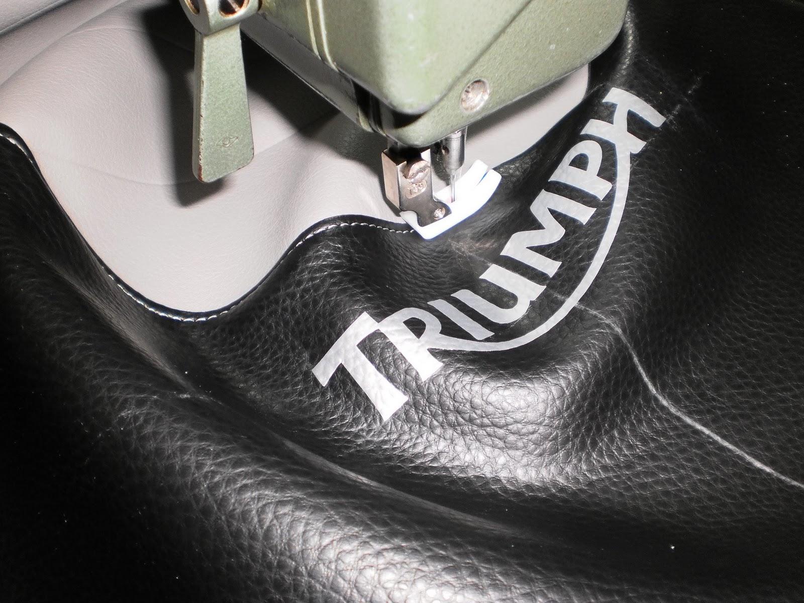 Tapizado retro del asiento de una triumph bonneville for Tapiceria de asientos de moto