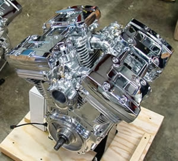 V-Quad 4 Cylinder Engine | 4 Cylinder Engine | 4 Cylinder Motorcycle Engine | The KneeSlider | way2speed.com