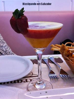 Granulado Café & Bistrô: Drink não-alcoólico de Morango com Suco de Laranja