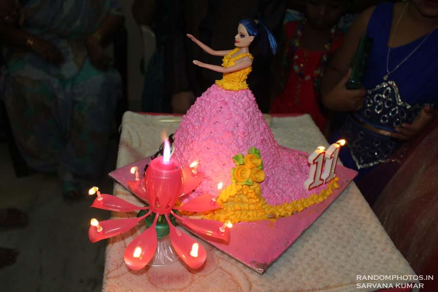 Musical Lamp & Pink Barbie Cake