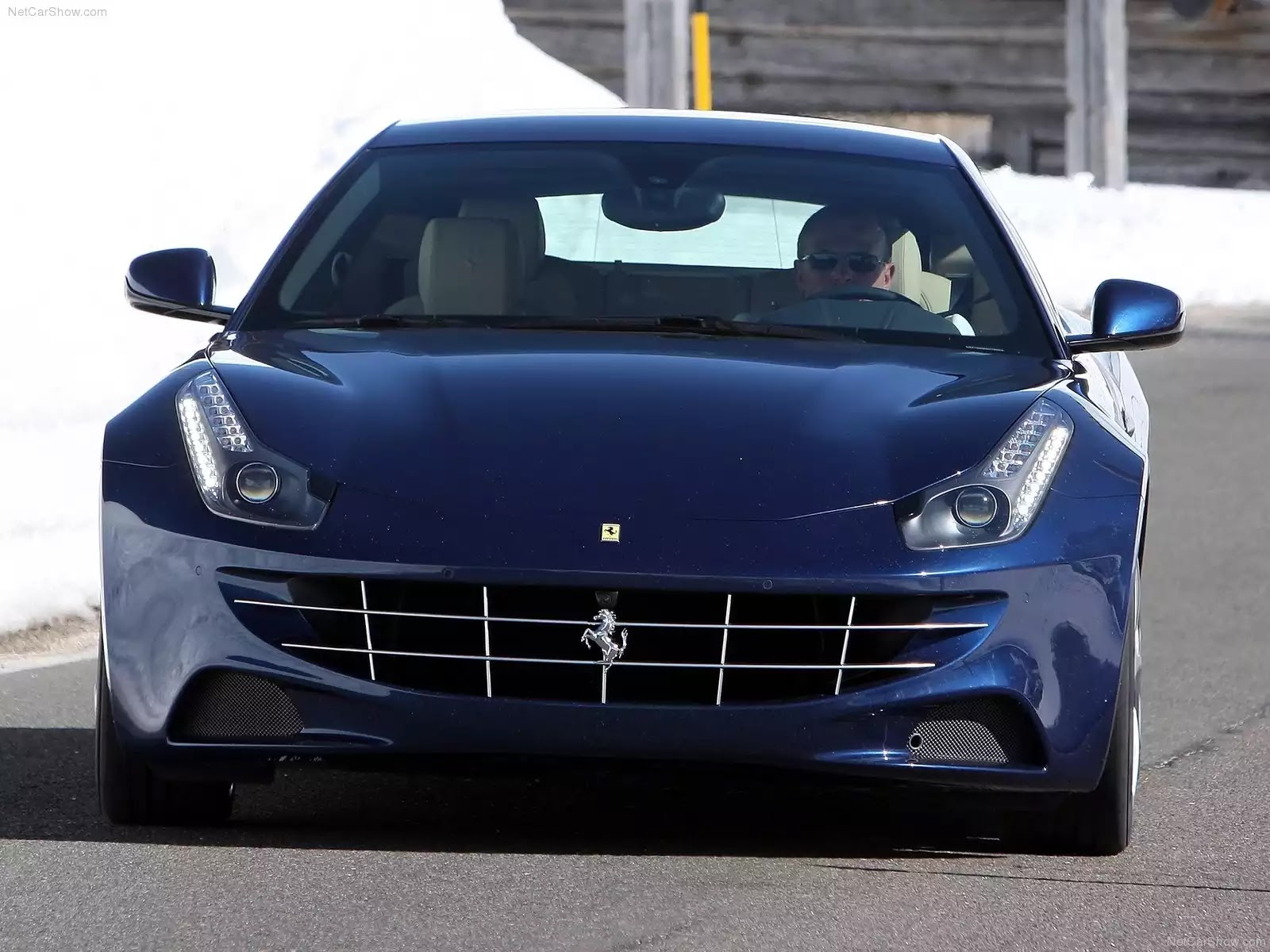 Hình ảnh siêu xe Ferrari FF Blue 2012 & nội ngoại thất