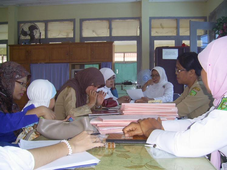 Rapat Ruangan