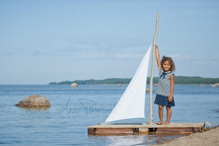 tydruk-parvel-laulasmaa rannas-tasane-meri