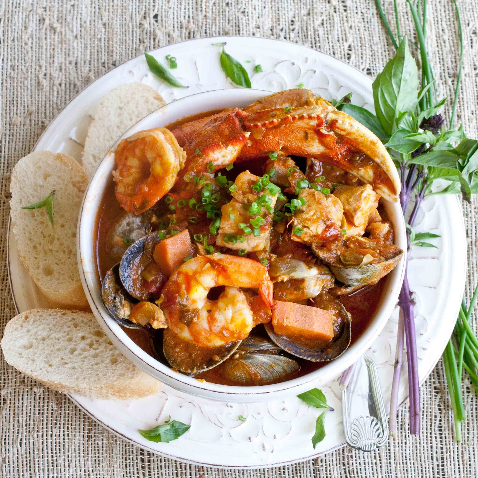 Foodjimoto bouillabaisse for French fish stew
