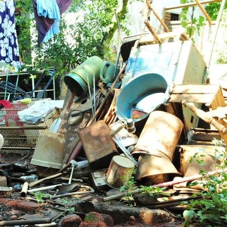 lixo que servem como criadouros do aedes aegypi