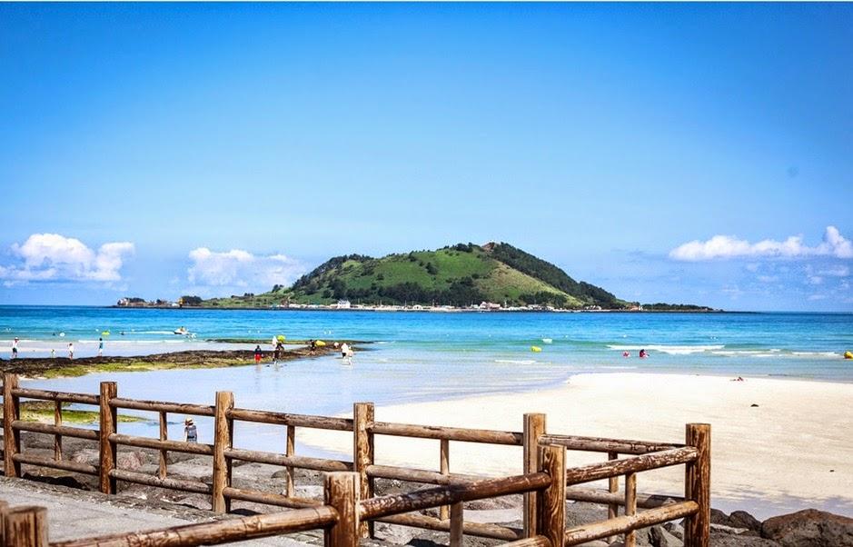 Bãi biển Hyeopjae  협재 해수욕장