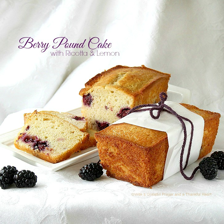 some berries in the fridge from the holidays, I made small pound cake ...