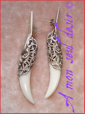 Boucles d'oreilles dent canine vampire fang earrings